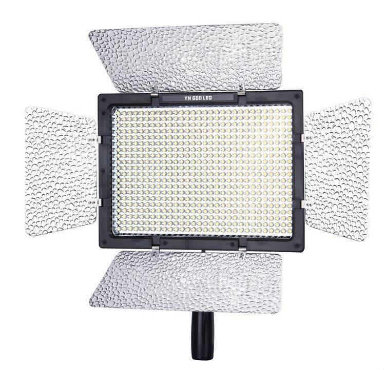 Yongnuo YN-600L II LED light + AC adapter